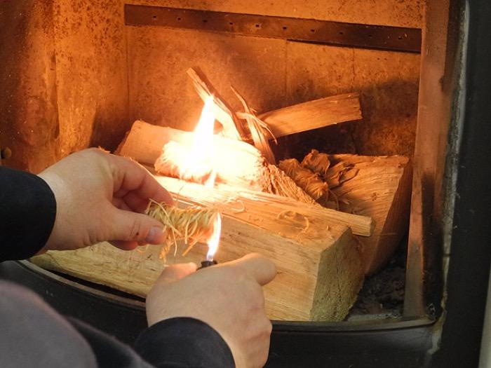riscaldamento a legna - Accendere la stufa correttamente e senza fumo è efficienza energetica 12