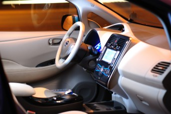 Carros eléctricos en Colombia: Nissan Leaf
