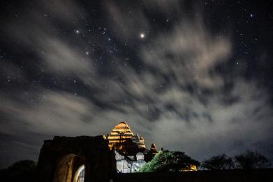 espinosa-art-photo_temple-night-sky