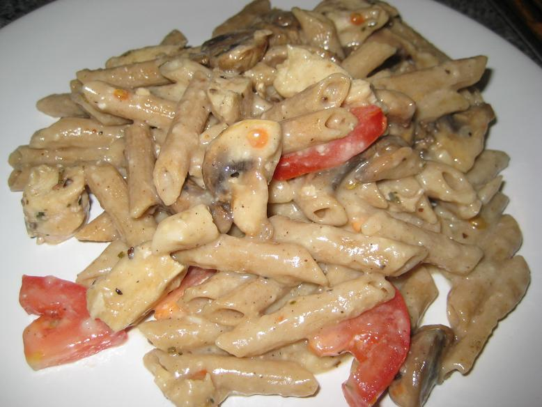 Healthy Chicken Alfredo with Mushrooms and Tomatoes