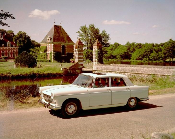 Peugeot-404_article_l_retromobile_fre