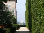 Aventino_s_Maria_del_Priorato_s_Pietro_dal_giardino_1050424