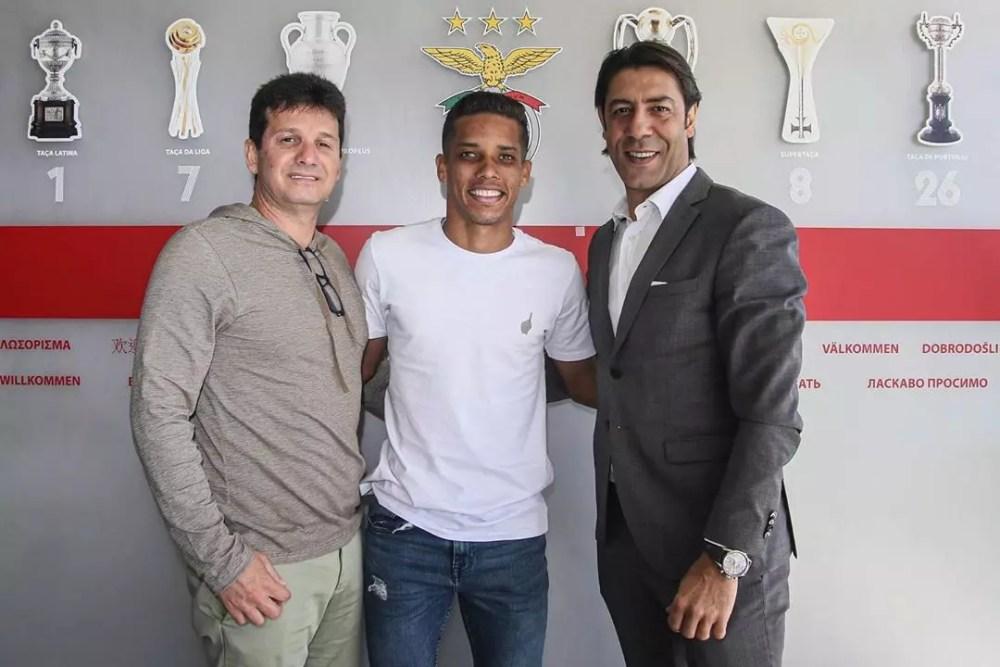 Empresário diz quando Corinthians deve receber pagamento por Pedrinho; confira