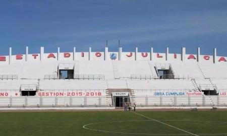Estádio Guillermo Briceño Rosamedina do Binacional em Juliaca no Peru a 3800 metros de altitude. Conmebol transferiu os jogos para Lima por causa da pandemia. São Paulo foi o único a jogar lá