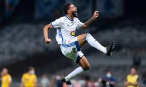 Filipe Machado é o terceiro jogador que mais finaliza no Cruzeiro