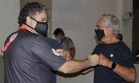 Julio Casares votou pela manhã
