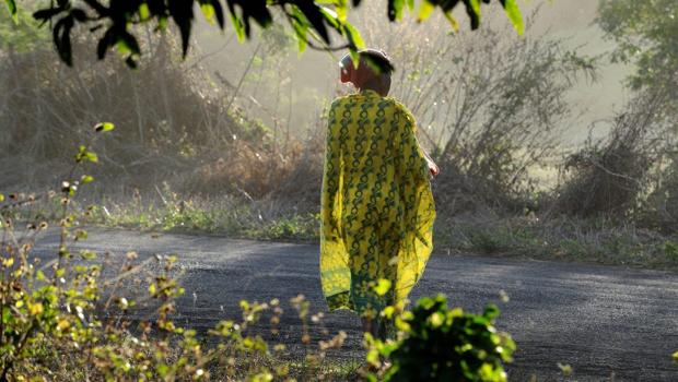 Femme malgache riviere