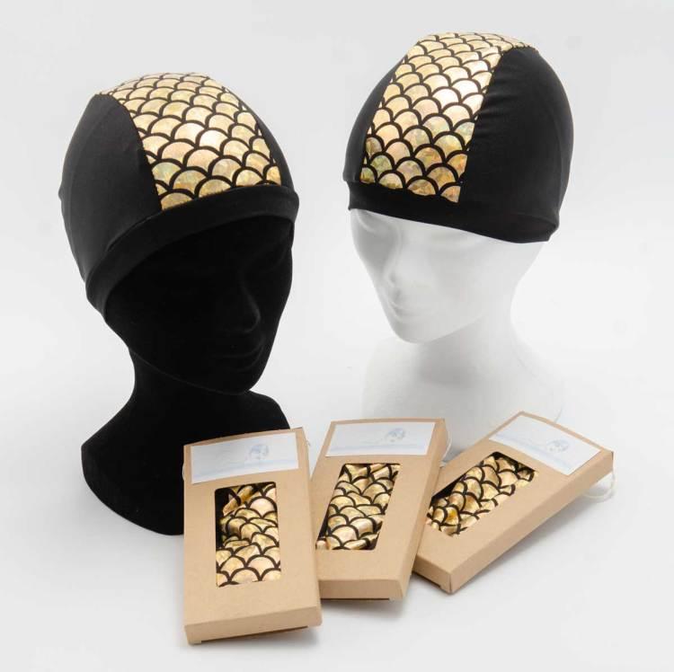 Bonnet de bain noir avec une bande dorée écailles de sirène