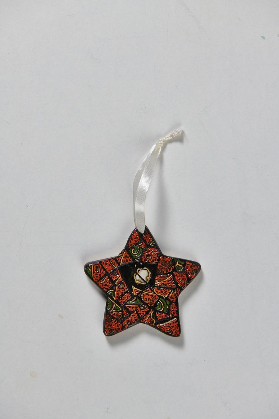 Étoile mosaïque rouge et noir