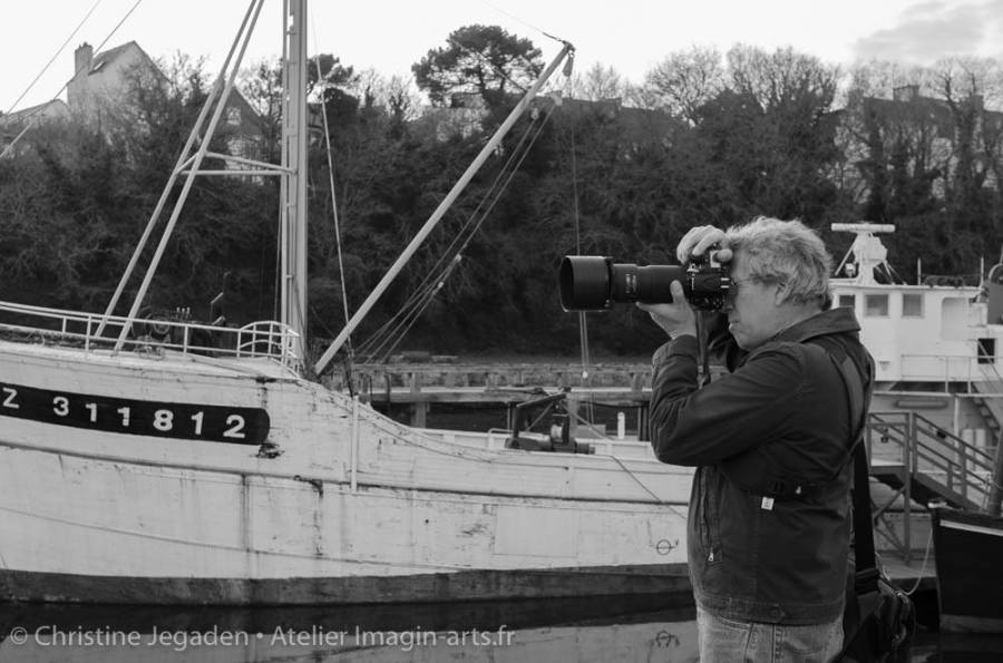 Arnaud Carette en prise de vue à Douarnenez