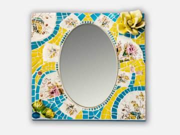 Miroir mosaique avec rose jaune en relief