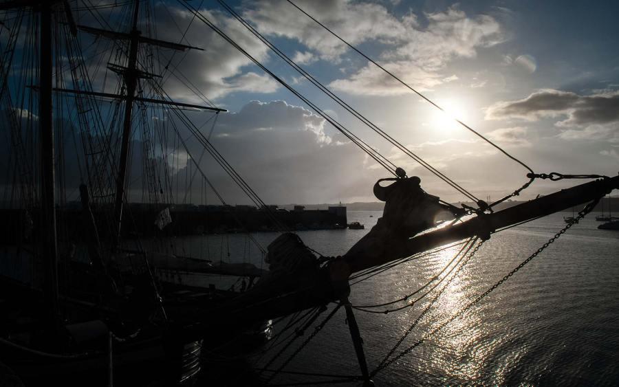 """Photographie ©Arnaud Carette """"Le Départ"""" port du Rosmeur Douarnenez"""
