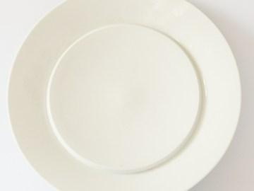 assiette porcelaine blanche