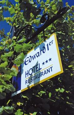 panneau-Hotel-Edward-1er-Monpazier-Dordogne-France