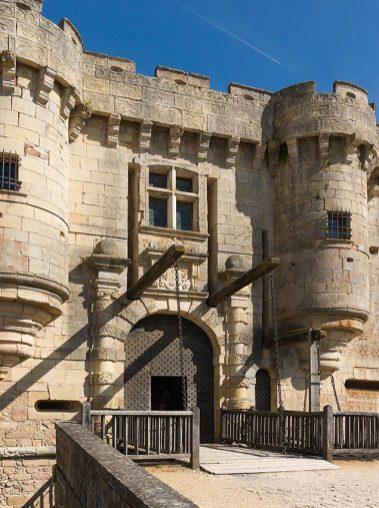 pont-levis-chateau-de-hautefort
