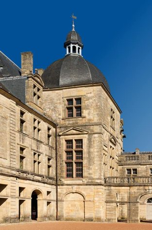 tour-chateau-de-hautefort