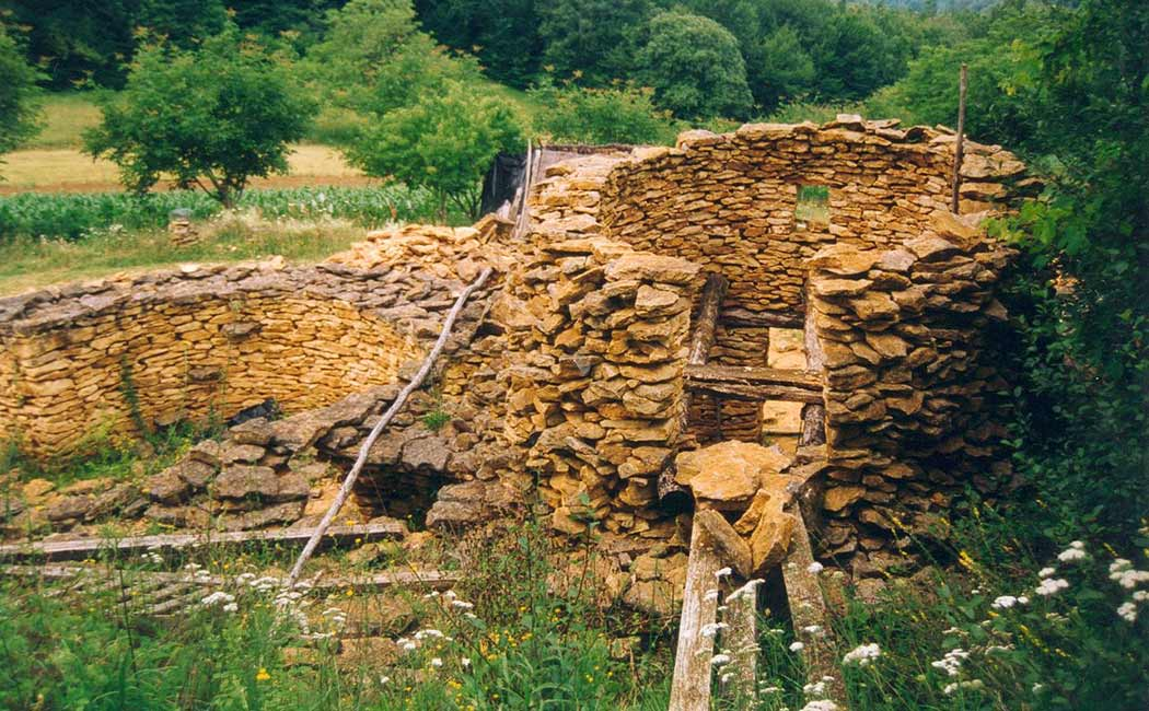 Les techniques de maçonnerie à pierres sèches
