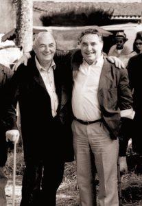 À gauche, M. Meyrand, à droite, Bernard Lucas, vétérinaire, un homme engagé en faveur des animaux et de la ruralité | Cliquez pour agrandir