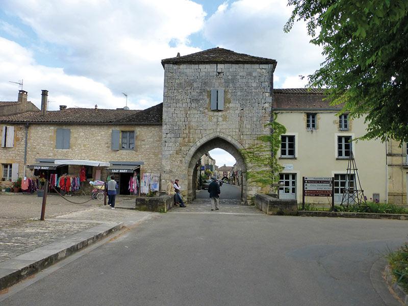 Monpazier : Porte Notre-Dame, Foirail Nord