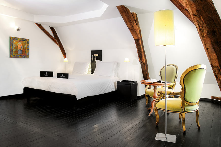 Chateau-Les-Merles-Chambre