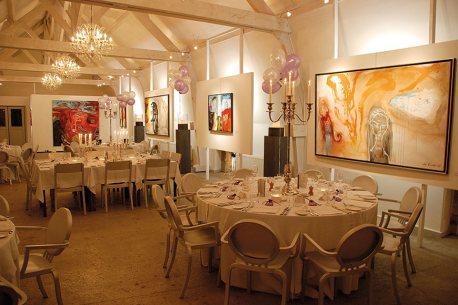 Chateau-Les-Merles-Salle-de-Restaurant-02