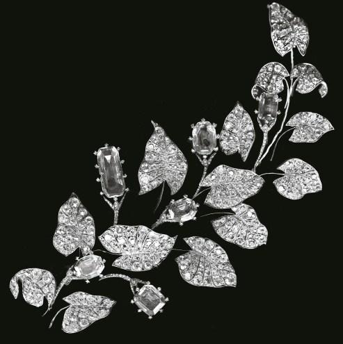 Grande Broche Liseron Platine, Diamants 1885 © Chaumet