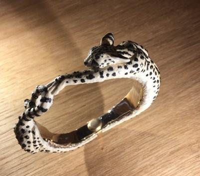 """""""Leptailurus Serval"""" Bracelet Ivoire de Mammouth, Ebène, Diamants Noirs, Diamants, Cornaline."""