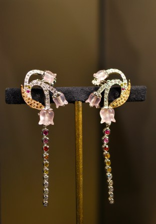 "Boucles d'Oreilles ""Muguet"" Or, Diamants, Saphirs de couleurs, Quartz Rose,"