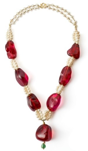 Collier Spinelles, Perles, Émeraude The Al Thani Collection © Servette Overseas Limited 2014