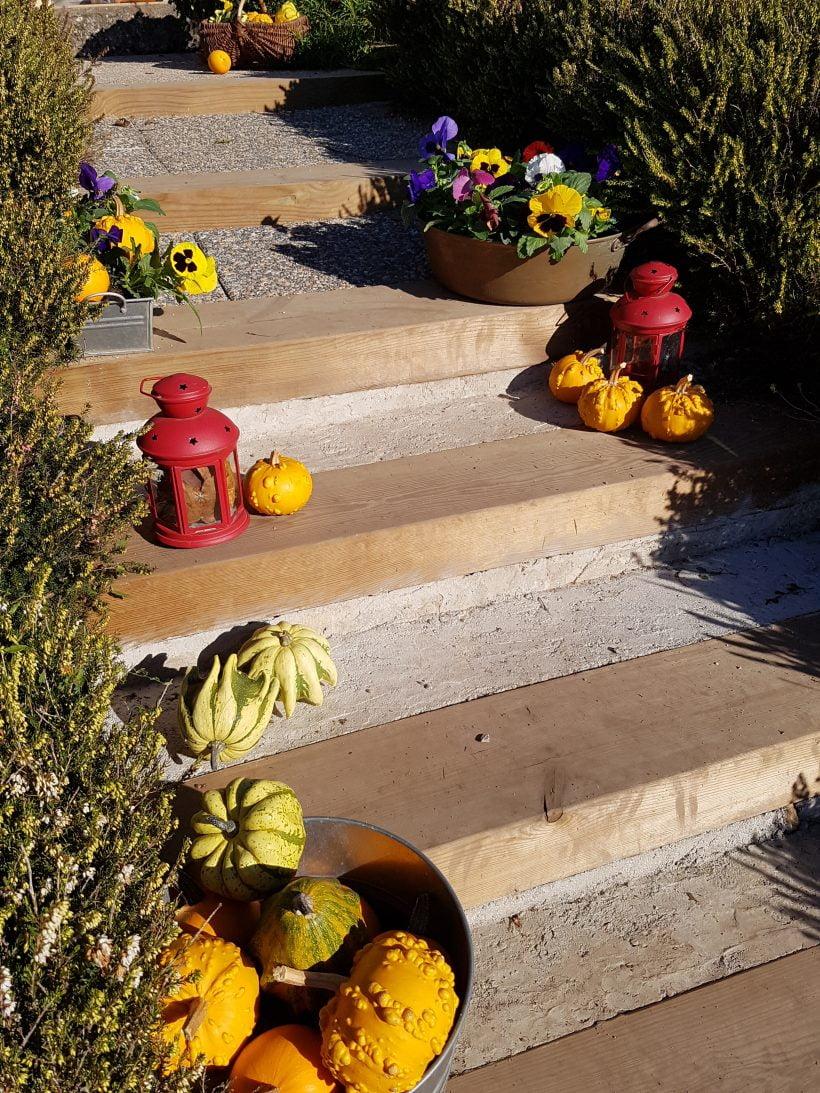 déco d'automne escalier extérieur