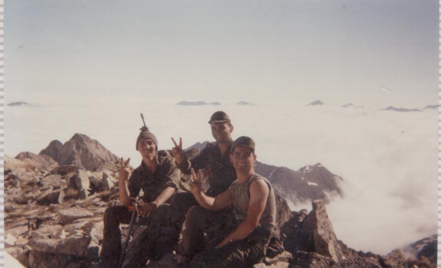 Tres Valencianos en lo alto del Molieres