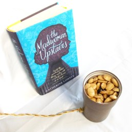 Los croissants de almendra de «The Madwoman Upstairs» – Esquinas Dobladas