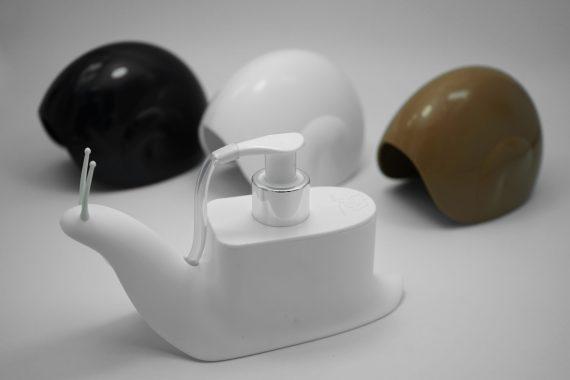 doseador sabonete em forma de caracol preto branco e castanho