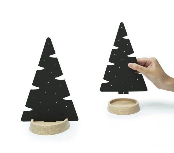 árvore pinheiro preto com base de madeira