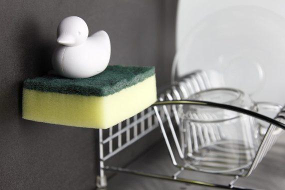 QL10225-WH Duck Sponge lifestyle1