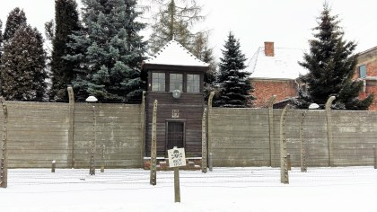 Pic-2-Auschwitz