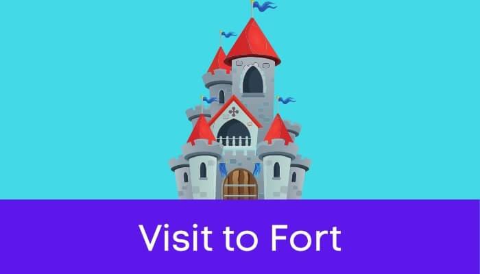 एक किले की सैर हिंदी निबंध - Visit to Fort Essay in Hindi