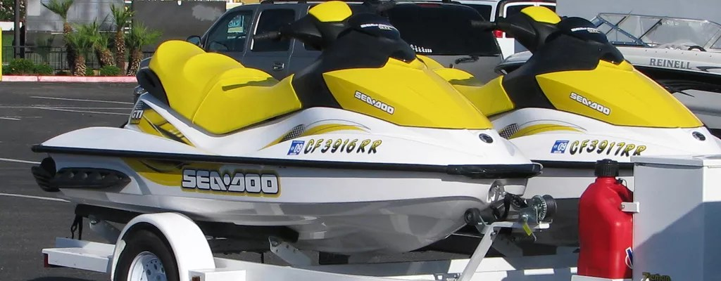 6 Tips to Keep Your Jet Ski Free From Winter Damage | Extra Space