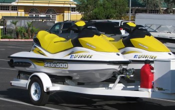 How to Winterize a Boat for Vehicle Storage | Extra Space