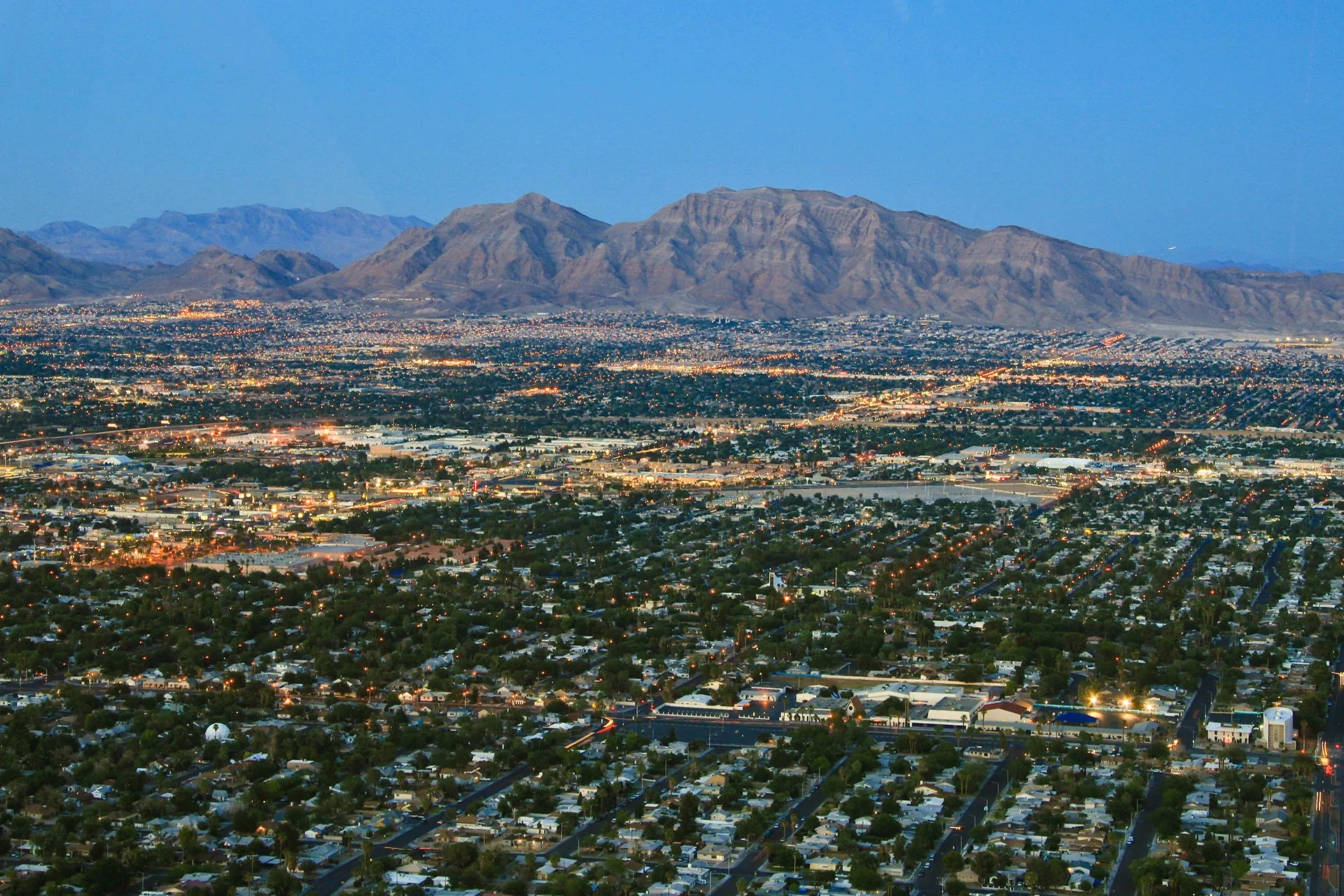 25 Things to Know About Living in Las Vegas via @extraspace
