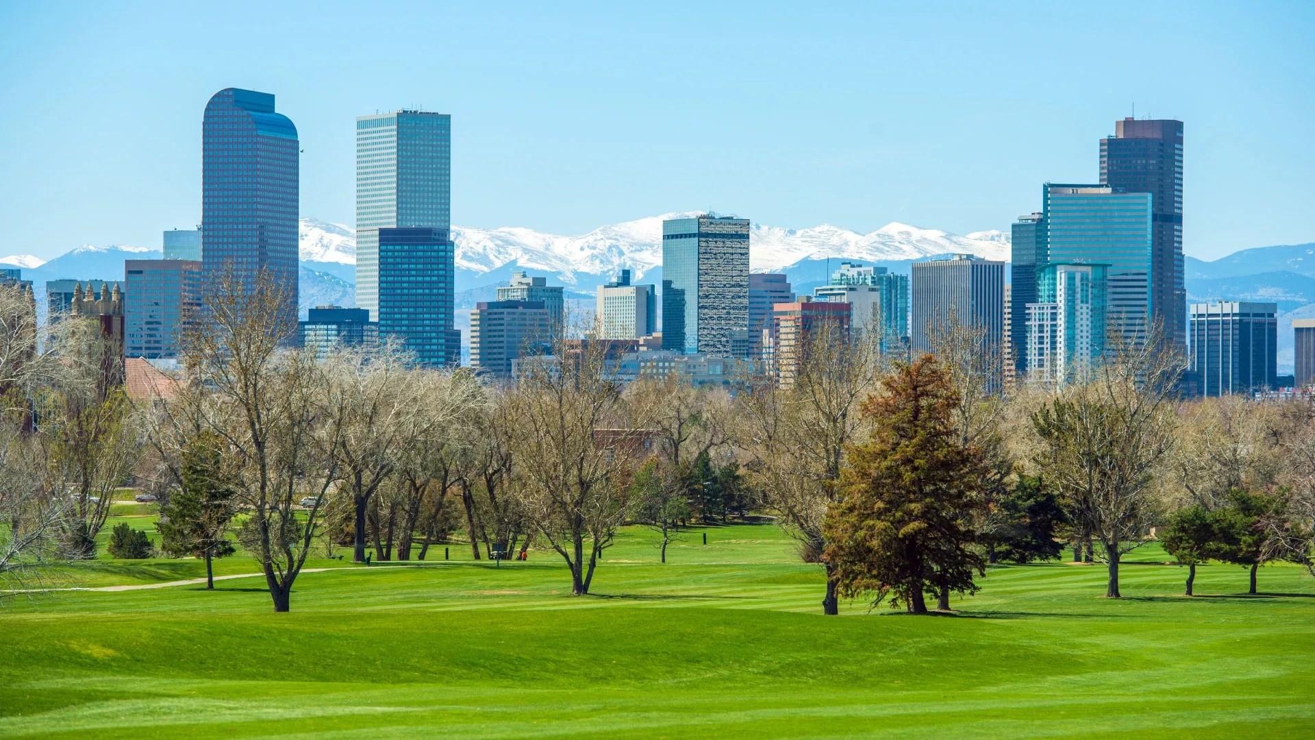 Best Neighborhoods in Denver for Young Professionals via @extraspace