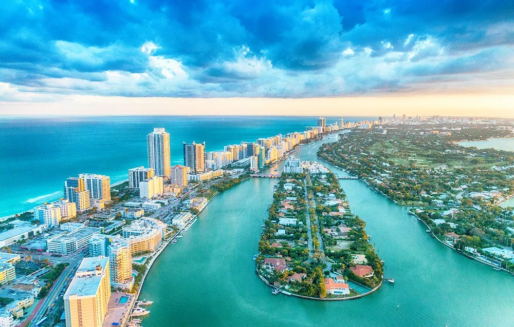 Best Miami Neighborhoods for Singles & Young Professionals via @extraspace