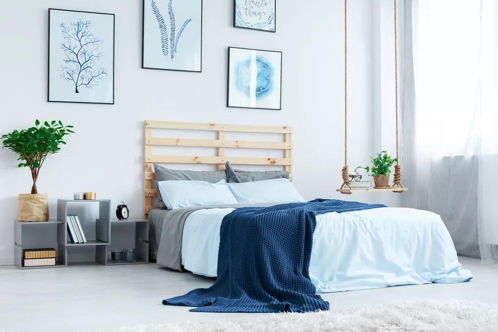 Looking For Ideas On How To Make A Small Bedroom Seem Larger? Check Out  These Decorating Tips!
