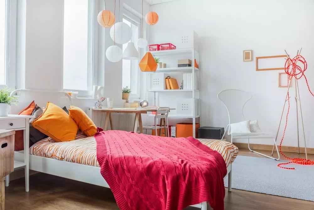 25 Trendy & Space-Saving Dorm Room Decorating Ideas via @extraspace