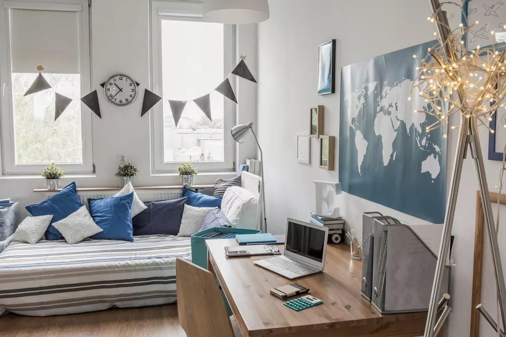 26 Dorm Room Organization & Storage Tips | Extra Space Storage