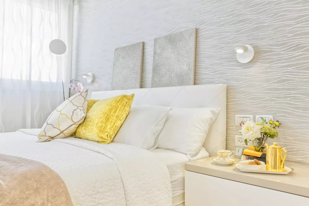 Feng Shui Bedroom: 17 Ideas for Designing & Decorating via @extraspace