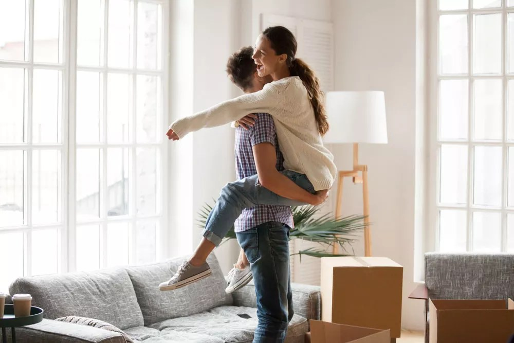 Moving in Together: 22 Tips for Couples Taking the Next Step via @extraspace