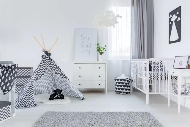 Προετοιμάστε το δωμάτιο του μωρού.