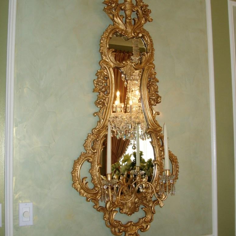 Potomac-MD-interior-designer-Shiva-Rostami-diningroom-elegant-traditional-mirror-sconce-McLean-Virginia