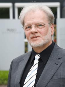 Dr. Wolfgang Benesch